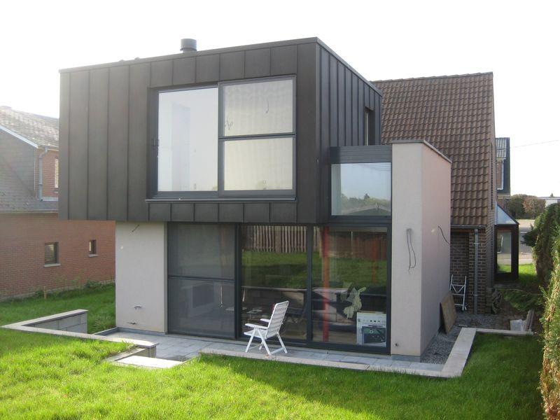 Extension contemporaine d 39 une villa overijse herv for Extension maison sans autorisation