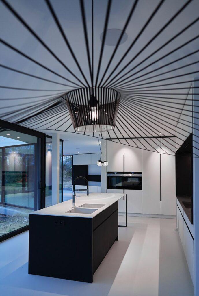 Villa contemporaine avec meubles sur sur mesure conçus par Intérieur9